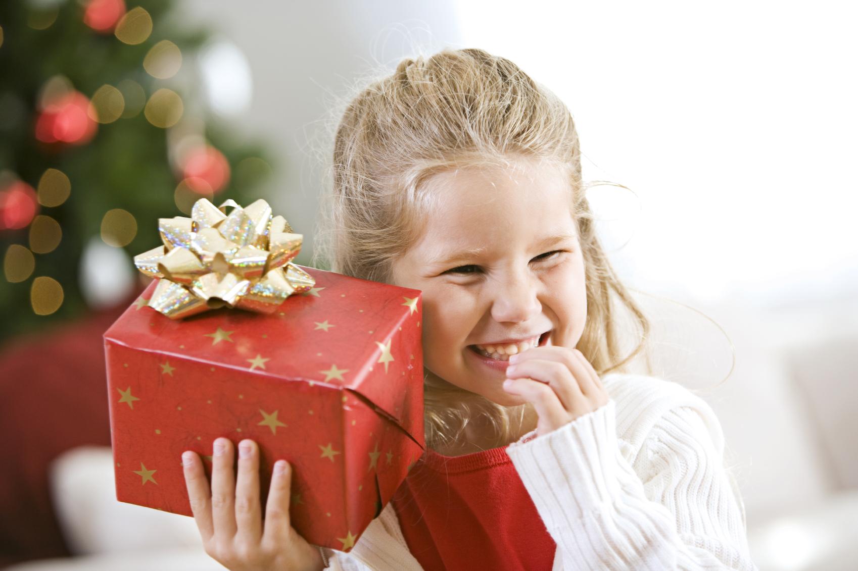 Что модно дарить детям на Новый год