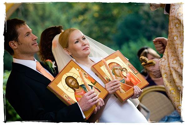 В каких случаях расторгают церковный брак?