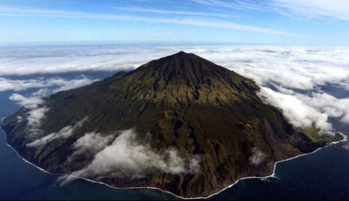 Восемь самых отдаленных островов планеты