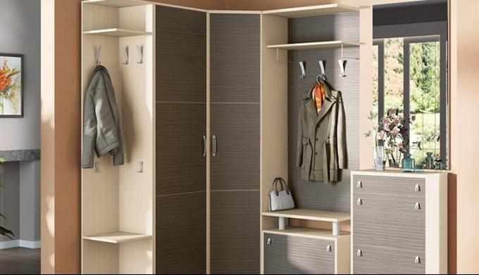 Как выбрать шкаф в прихожую