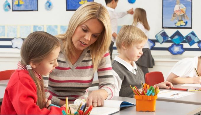 Стоит ли нанимать ребенку репетитора?