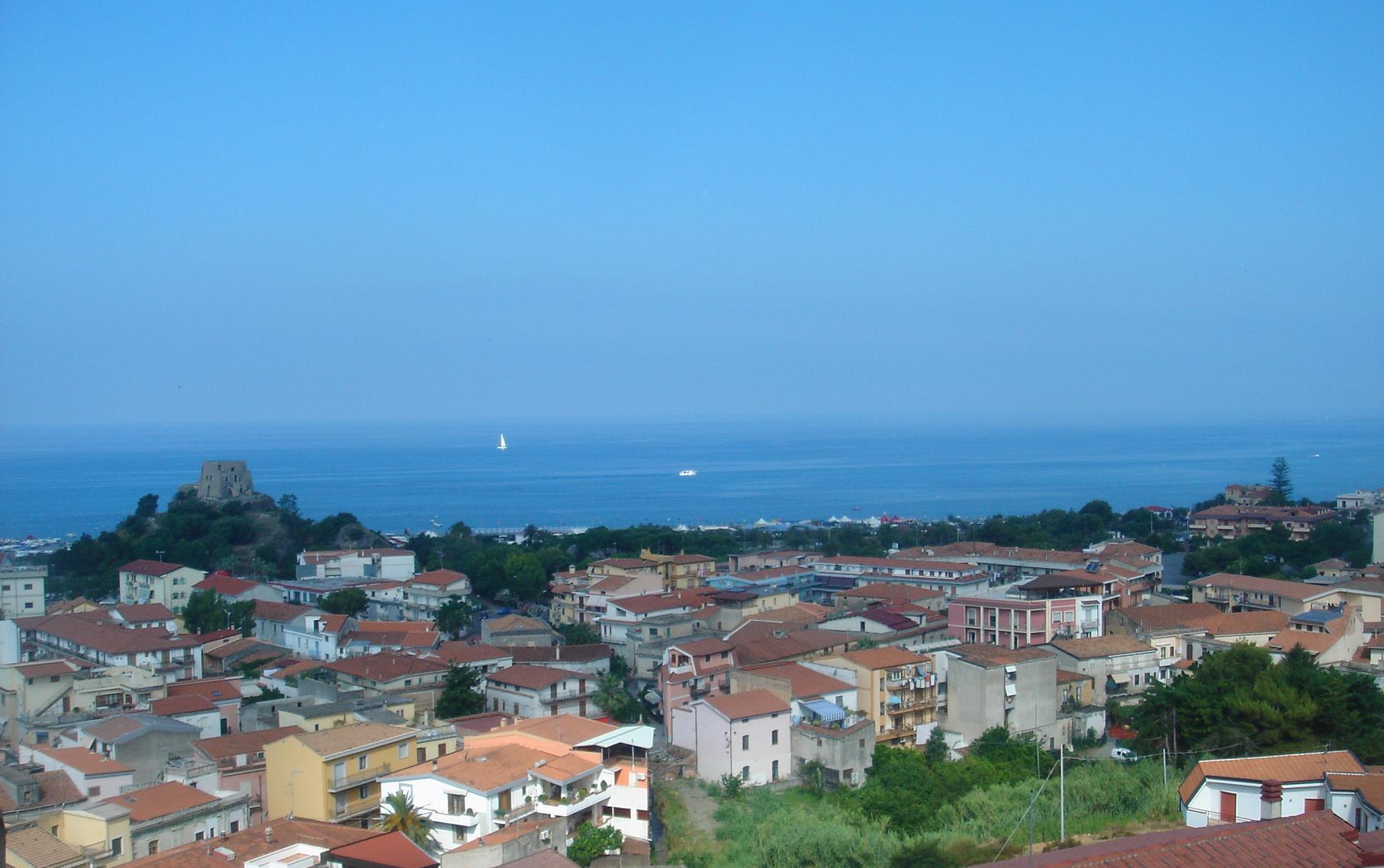 Калабрия италия погода по месяцам